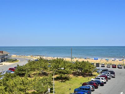 Photo for LINENS & DAILY ACTIVITIES INCLUDED*!. OCEANFRONT/BOARDWALK BUILDING W/ROOFTOP POOL Lovely end unit with views of the lake and the ocean.