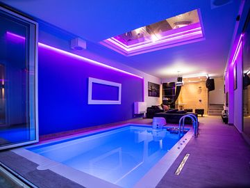 Party Villa with indoor pool in the city center