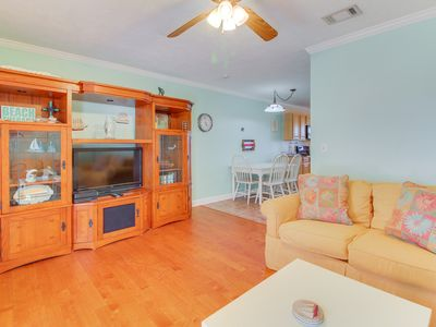 Photo for Comfortable and dog-friendly home - close to the beach!