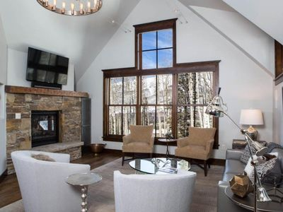Photo for Luxurious 2 bedroom, 2.5 bath Penthouse condo. Enjoy easy access to the Gondola, the slopes and more