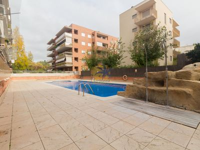 Photo for Beautiful ground floor with communal pool at 12 min.. From the beach of Salou.