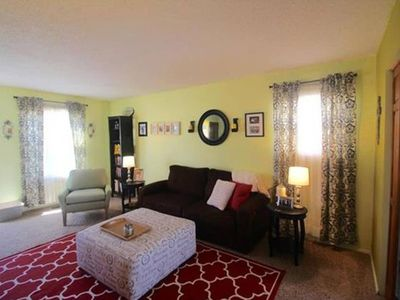 Photo for Classy and Cozy 2BR with pool and park access