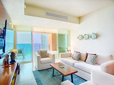 Photo for Bright and Breezy Ocean View Condo   Infinity Pools, Gym, Tennis Court