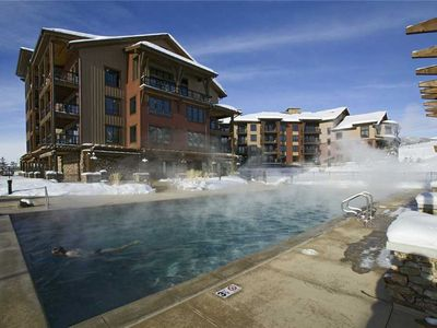 Photo for Beautiful 1 Bedroom + Den w/Access Game room, Outdoor Pool & Hot Tubs!