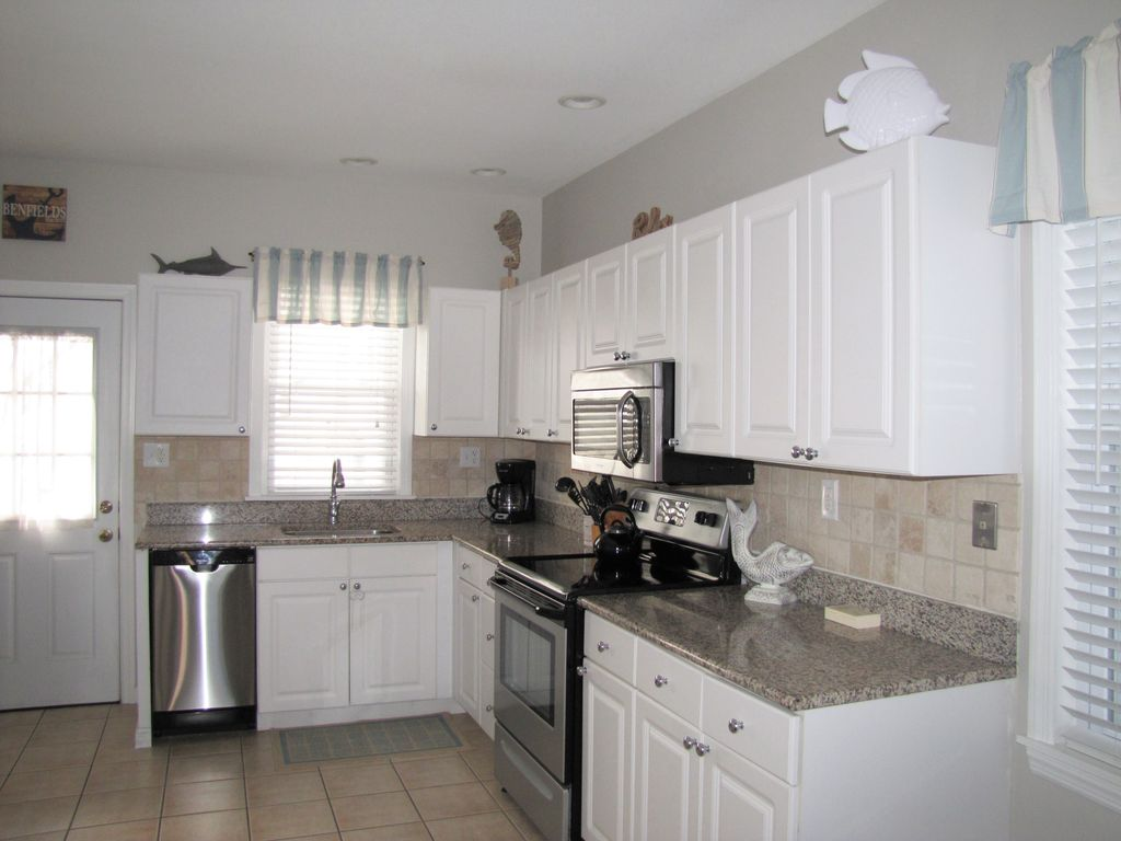 Perfect Location! Beautiful 3 Bedroom Condo Steps To Beach And Boardwalk