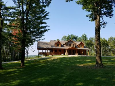 Lost Bear Cabin, Luxury Log Home near Resorts and Recreational Activities.