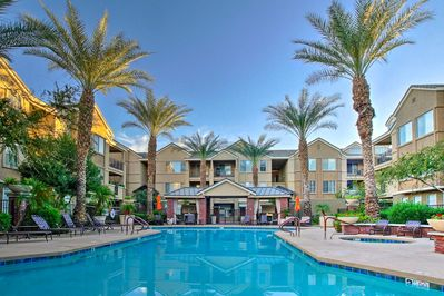 Let this exquisite Phoenix vacation rental condo serve as your personal oasis!