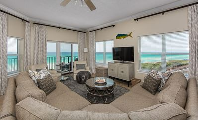 Living room with spectacular views of the gulf to the south and south west.