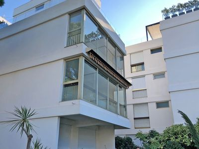 Photo for Modern apartment with air conditioning, pool and tennis courts, within walking distance of the beach