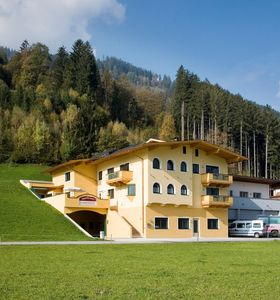 Photo for 3BR Apartment Vacation Rental in Kaltenbach, Tirol