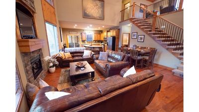 Photo for NEWLY REDECORATED! 5 BR/4BA in Beautiful Branson Canyon near Lake & Golf Courses