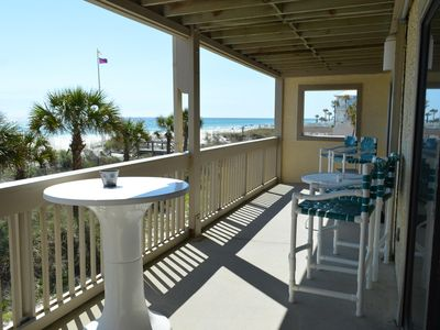 Photo for Perfect 2 Bedroom to Unwind and Relax in this Large Gulf Front Condo!
