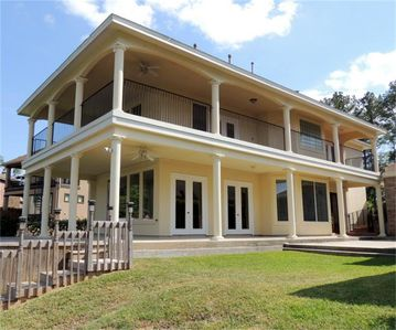 BOOK NOW SummerAvailable... Picturesque WATERFRONT Texas Single Home