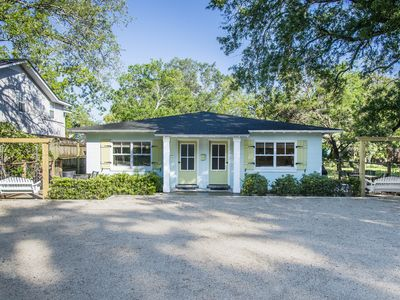 5 Minute Stroll To Beach!! Newly Renovated And Listed. Professionally Decorated
