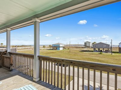Photo for Great beach home in Treasure Island close to Gulf!