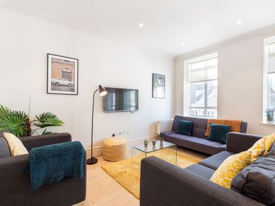 Photo for IN THE HEART OF LONDON WITH SUPER CITY VIEWS - COVENT GARDEN - THE STRAND 3BR