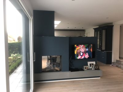 Photo for Central modern  4 bed, 3 bath house with BBQ and large garden