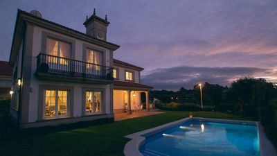 Photo for Luxury villa with pool and sea views in Galicia