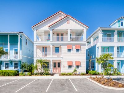 Photo for Beautiful 8 Bedroom Cottage w Hotel Amenities, Daily Clean Included, near Disney