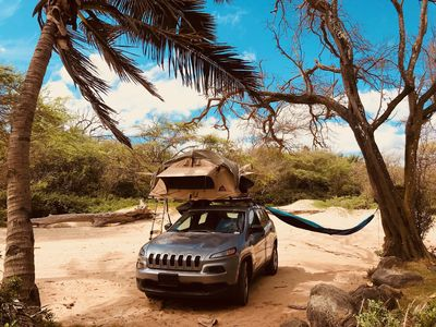 Photo for Jeep Cherokee 4x4 with rooftop tent fully equipped