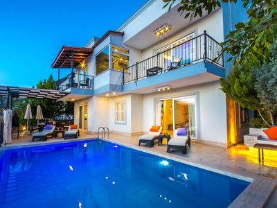 Photo for Newly Renovated 3 Bedroom Villa with  Very Private Pool and Good Sea Views