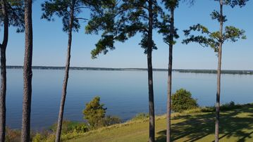 Beautiful 3 BR/3BA 2000 sq. ft. Lake Front Condo with Magnificent Views