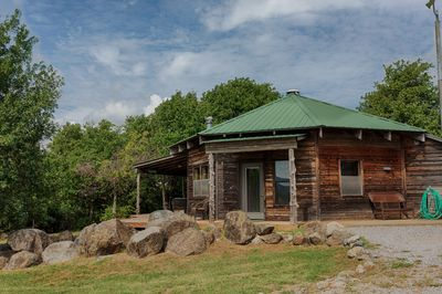 Scenic Ridge Cabin sits on three acres