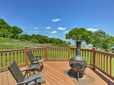 Photo for Cozy Kingston House on Lake Texoma-Steps to Beach!