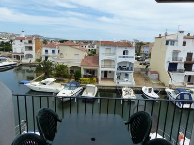 Photo for T1 with terrace overlooking the port, 2 steps from the beach and shops