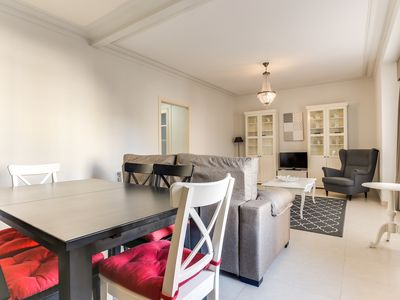 Photo for Gorgeous 4bed 10min walk Plaza Catalunya