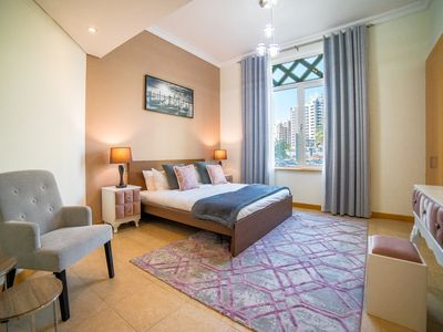 Photo for Luton Vaaction Homes -Spacious 3BR apt in Shotreline, Palm Jumeirah