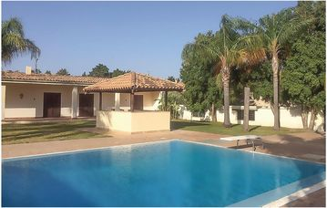 Search 64 holiday lettings