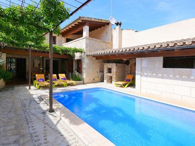 Photo for Village house with lots of charm, pool and barbecue, air conditioning, wifi