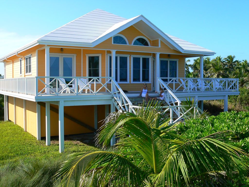 Spectacular 4 bedroom beach house fall special 2 400 on for Beach houses for rent in bahamas
