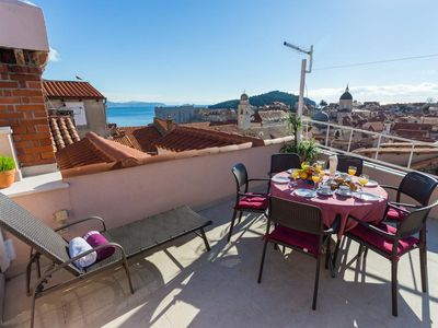 Photo for Three bedroom apartment with terrace and sea view Dubrovnik