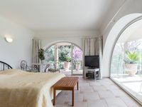 Excellent joice if you want a nice get away with nice landscape, close to the City of vence but yet
