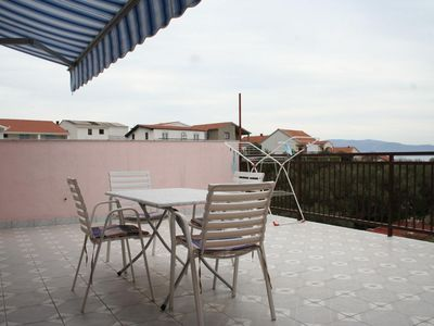 Photo for One bedroom apartment with terrace and sea view Podaca, Makarska (A-2612-a)