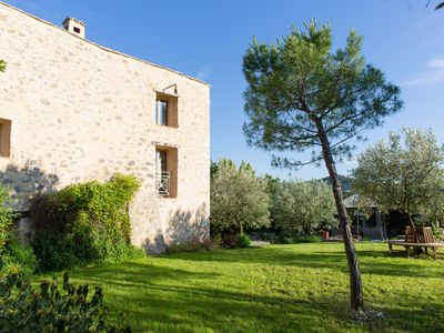 Photo for Beautiful Provencal farmhouse with pool, bar and cinema. 14-18 pax classified 4 stars