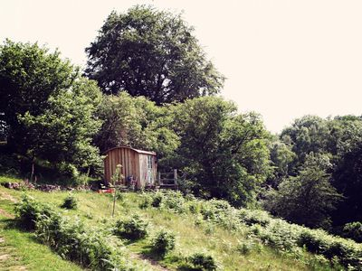 Shepherds hut with washing facilities and WC