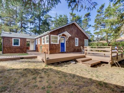 Photo for Rustic dog-friendly beach home on Neskowin Marsh Golf Course + 2 blocks to beach