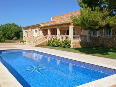 Photo for Wonderful private villa for 8 guests with WIFI, private pool, TV, balcony and parking