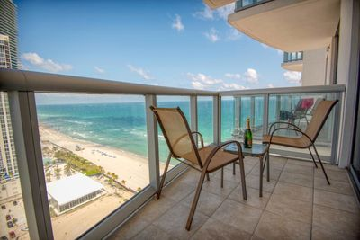 Balcony  with breathing ocean view