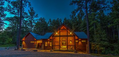 """""""Wonder's Call"""", an Inviting New Luxury Cabin in the Hills of Eagle Mountain"""