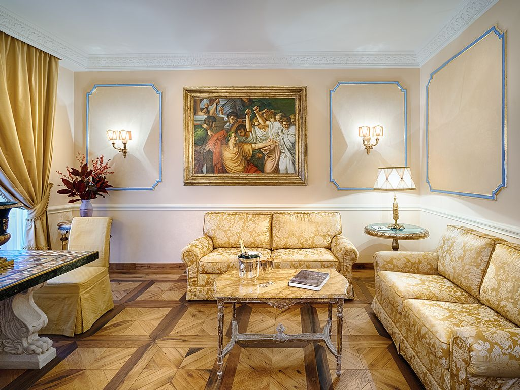 Charming apartment spanish steps 6 people 2 bedrooms rome for Vendita privati appartamenti roma