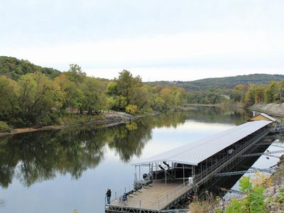 Photo for Awesome Lakefront Fall Creek Resort