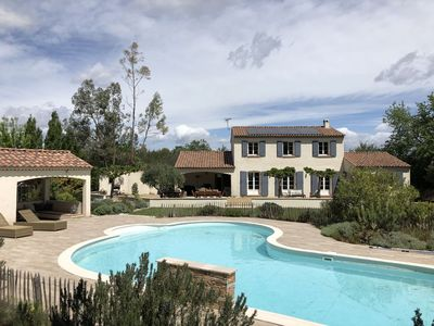 Photo for Provencal villa 8-10 people in the Aix countryside, quiet and sunny