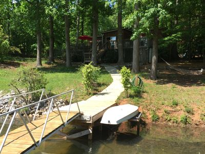 Quiet cove, minutes to Clemson, the coziest cottage on the lake