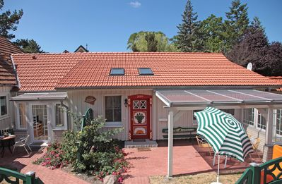 Photo for Original Prerowhaustür, glass-covered terrace, living comfort, quiet.
