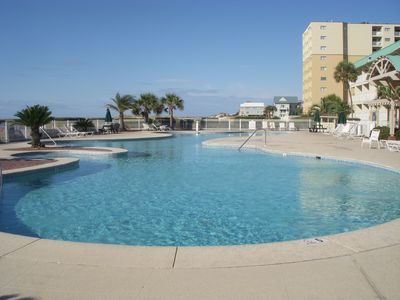 Photo for Beachy 2B-2BA condo with Gulf Views! 6 pools-one heated in spring, one indoor.