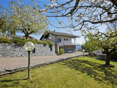 Photo for Spacious 5-room house with a large garden and a dreamy lake view